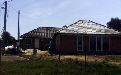 Három lakásos családi ház