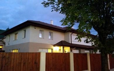 Kétlakásos családi ház